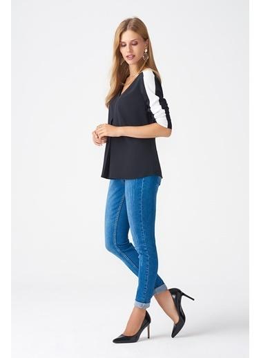 NaraMaxx Siyah Beyaz Kollu Bluz Siyah